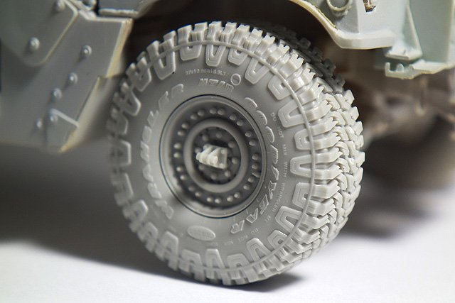 "1/35 Wrangler/Good Year 37"" MT/R 悍马装甲车车轮"
